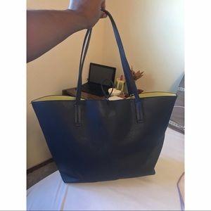Guess Bags - Original Guess blue bag. 👜👑
